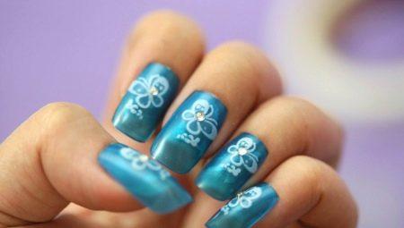Як правильно клеїти і знімати накладні нігті?
