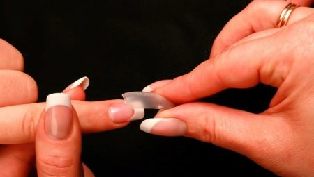 Особливості нарощування нігтів на тіпси