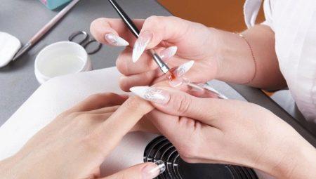 Корекція нарощених нігтів: особливості і правила виконання процедури