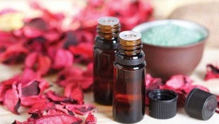 Масло рожевого дерева: властивості та застосування
