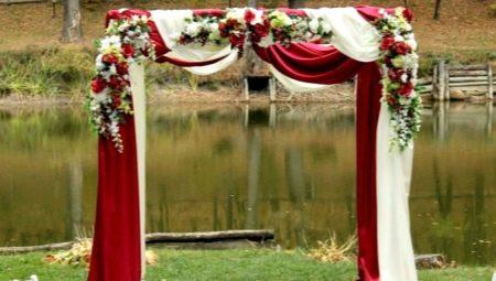 Як зробити весільну арку своїми руками?