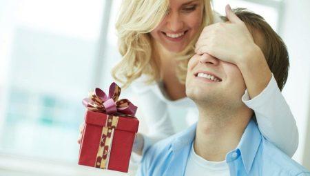 Що подарувати чоловікові на 10 років з дня весілля?