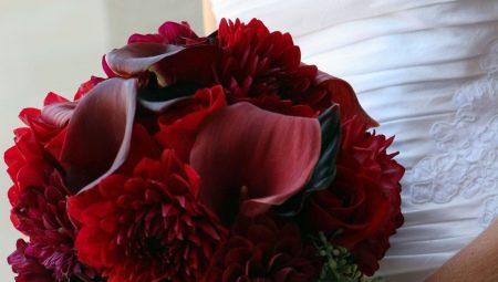 Бордовий букет для нареченої: особливості вибору кольорів та ідеї оформлення композиції