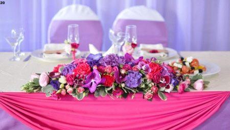 Квіткова композиція на весільний стіл: особливості, поради щодо оформлення та розстановці