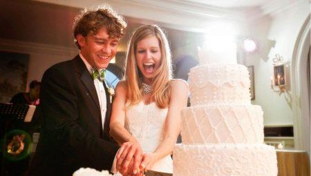 Кремовий весільний торт: красиві варіанти оформлення та поради з вибору