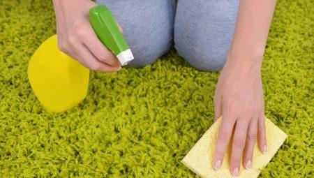 Як почистити килим в домашніх умовах за допомогою соди і оцту?