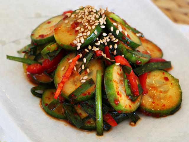 Овочі по-корейськи: морквина з грибами, огірки з кабачками, баклажани з помідорами і солодким перцем: 3 найсмачніших рецепту з докладними інгредієнтами